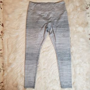 ZELLA WOMEN'S WHITE STRIPED TIGHTS XL